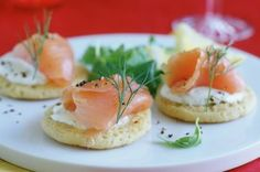 Smoked salmon blinis - 50 quick and easy canapes - Food Pictures - Gallery - Recipes - goodtoknow Christmas Canapes, Christmas Party Food, Xmas Food, Xmas Party, Christmas Recipes, Christmas Crafts, Nibbles For Party, Party Snacks, Party Appetisers