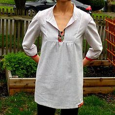 Wiksten Tova top, here's a link to buy the pattern: http://www.shopwiksten.com/product/tova-shirt-sewing-pattern