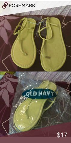 NWT Oldnavy Yellow skinny strap sandals Oldnavy Yellow skinny strap sandals  size 10 adjustable strap Old Navy Shoes Sandals