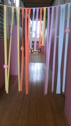 手作りおもちゃ(バイヤステープののれん) | pawafurukitasenseiのブログ Fair Grounds, Curtains, Candles, Home Decor, Blinds, Decoration Home, Room Decor, Candy, Draping