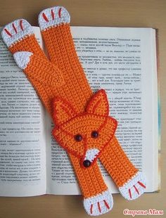 011 Fox Bookmark - Amigurumi Crochet Pattern - PDF file by Zabelina Etsy Crochet Amigurumi, Crochet Fox, Crochet Books, Crochet Gifts, Cute Crochet, Crochet Animals, Crochet Yarn, Crochet Flowers, Crochet Stitches