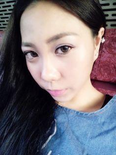 #kahyinstyle .  塞車中的港女。 Never keeping a selfie even during a traffic! .  P. S. Super cute floral ear cuff! 但第一天帶便壞掉了 .  @kahyinlam . #日光 #耳環 #飾物 #好物 #情感 #香港 #分享 #hkstyle #lookbook #ootd #earrings #style #fashion #outfit #accessories #summer #ss2015 #instadaily #instalife #hongkong #hongkonger #hkig #hkiger #sgig #sgiger #instalife #lovelife #instadaily #kahyinlam