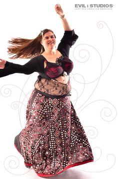 Ms. Zuza (Minneapolis, MN) & editor/founder of Fuse Tribal & Tribal Fusion Belly Dance Magazine. Photo by Evil I Studios Photography. (plus size belly dance ♥)
