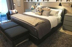 For family movie nights (or reading in bed) an upholstered bed frame is a comfortable choice! The FOLLDAL is available in black or white, easy-care leather.