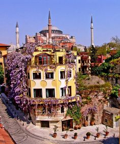 Hotel Empress Zoe is located in Istanbul 1312 feet from Hagia Sophia and has a garden. The property is located less than mi from Blue Mosque and Hotel Empress Zoe Istanbul Turkey D:Fatih R:Marmara Region hotel Hotels Best Hotels In Istanbul, Istanbul Travel, Istanbul City, Hagia Sophia, Istanbul Skyline, The Places Youll Go, Places To Go, Bósnia E Herzegovina, Turkey Hotels