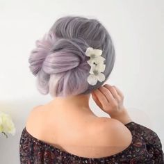 Glam Updo Style Tutorial For Wedding! Do you wanna see more fab hairstyle ideas and tips for your wedding? Then, just visit our web site babe! Girl Hairstyles, Braided Hairstyles, Wedding Hairstyles, Updo Styles, Long Hair Styles, Braided Updo, Hair Videos, Curling, Hair Hacks
