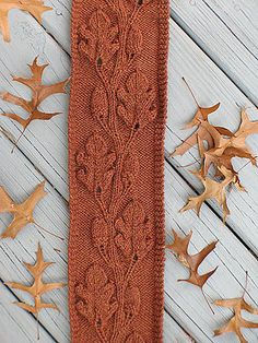 "Love this Oak Leaf and Acorn motif knit scarf! It's the ""Oakleaf Family Tree"" pattern by Julie Weisenberger from ""Knitter's Magazine Winter Tree Patterns, Knit Patterns, Stitch Patterns, Knitted Shawls, Crochet Scarves, Knitting Scarves, Scarf Knit, Knitting Stitches, Hand Knitting"