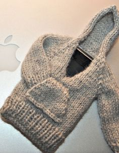 Free Knitting Pattern - Phone, Tablet & Laptop Covers: iPhone Hooded Sweater Case