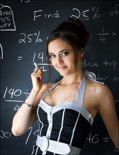 When you weren't looking, Winnie from The Wonder Years turned into Danica McKellar the math beauty. And we have the Danica McKellar pic to prove it. Jennifer Lien, Alyson Hannigan, Winnie Cooper, Queen Guitarist, Danica Mckellar, Math Genius, Books For Tweens, Sexy Geek, Geek Girls