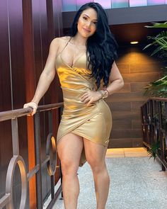 Beautiful Legs, Gorgeous Women, Happy Ganesh Chaturthi Images, Gym Girls, India Beauty, Bollywood Actress, Curvy, Bodycon Dress, Actresses