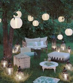 Garden idyll - inspiration here in Westwing magazine - Gartenparty - Garden Party Decorations, Light Decorations, Wedding Decorations, Boho Garden Party, Garden Party Wedding, Diy 21st Decorations, Outdoor Party Decor, Backyard Party Lighting, Indoor Garden Party