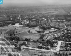 Part of the Aerofilms collection found on the Britain from Above site. Alexandra Park, Alexandra Palace, Old Pictures, Old Photos, Dartmouth Park, Old London, North London, London History, London Photos