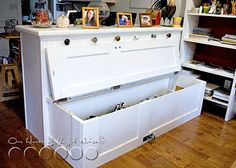 10 Creative Upcycled Door DIY Projects- Storage Bench