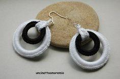 Orecchini crochet doppio cerchio black  white mod.1