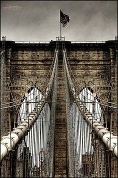 Brooklyn bridge . New York City