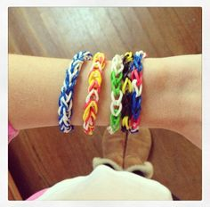 Show your team spirit with loom bands!