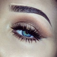 Shadow winged liner