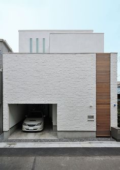An open house / floor plan inside (Koto Ward, Tokyo) Japanese Architecture, Interior Architecture, Low Budget House, Narrow House, Open House, Small Modern Home, Corner House, Custom Home Designs, Facade House