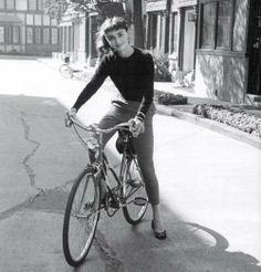 #Bicycle #Style Audrey Hepburn