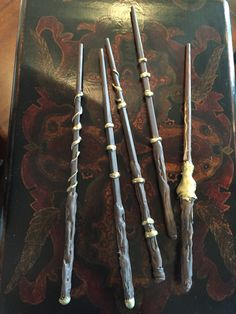 Harry Potter how to wands. I made these for a potter party and they were sooooo much fun. Everybody loved them! Here's the tutorial.