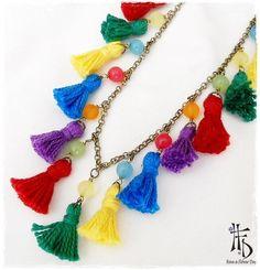 BOHO TASSEL. Collar largo con borlas de hilo Purple Necklace, Summer Necklace, Tassel Jewelry, Tassel Necklace, Beach Jewelry, Jewelry Necklaces, Bohemian Necklace, Hippie Jewelry, Collar Hippie
