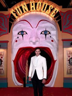 Bill London Premiere IT Chapter 2 Bill Skarsgard Pennywise, It The Clown Movie, Pennywise The Dancing Clown, Hemlock Grove, Hey Man, Trippy, Beautiful Creatures, Pretty Boys, Memes