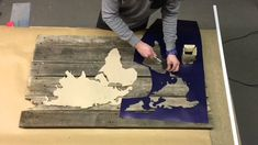How To Build: Pallet Picture Photo Transfer To Wood, Wood Transfer, Pallet Pictures, Cork Wood, Old Pallets, Videos, Wall Art, Canvas, Youtube