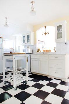 Work It: Classic Black & White Checkered Kitchen Floors Looking Fantastic —…