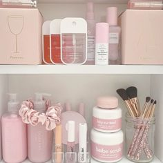 Makeup Organizer Ideas while Makeup Shack Contour Palette; Makeup Artist Near Me The post Makeup Organizer Ideas while Makeup Shack Contour … appeared first on Woman Casual - Makeup Recipes Coffee Mask, Beauty Care, Beauty Skin, Beauty Hacks, Beauty Tips, Beauty Ideas, Diy Beauty, Homemade Beauty, Skin Care Products