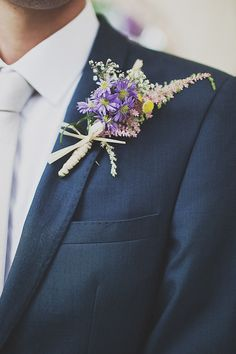 Wild Flower Buttonhole  | Outdoor Ceremony | Festival Theme Wedding | Image by Anna Hardy Photography. | http://www.rockmywedding.co.uk/wildflowers-at-wedfest/