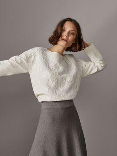 Women's sweaters and cardigans at Massimo Dutti. Spring Summer 2019 striped, ribbed, cashmere, wool or cable knit sweaters and cardigans. Embroidered Sweatshirts, Mix N Match, Winter Collection, Sweaters For Women, Women's Sweaters, Style Me, Feminine, Turtle Neck, Spring Summer