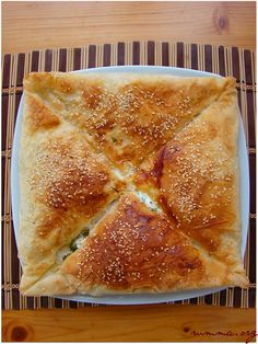 Dillerden düşmeyen zarf böreği. Pastry Recipes, Baking Recipes, Turkish Recipes, Food Humor, Relleno, Bread Baking, Food To Make, Easy Meals, Food And Drink