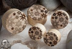 Curly maple snowflake plugs (my goodness I'd love to see this under the tree this year....with any other BAF stuff <3 )