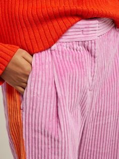 Simple Fashion Tips MSGM Pleated corduroy trousers.Simple Fashion Tips MSGM Pleated corduroy trousers Trend Fashion, Fashion Details, Look Fashion, Fashion Design, Women's Fashion, Classy Fashion, Petite Fashion, Modest Fashion, Korean Fashion