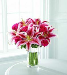 Stargazer lilies....my favorite flower!! Beach Flowers, Love Flowers, Beautiful Flowers, Wedding Bouquets, Wedding Flowers, Wedding Centrepieces, Prom Flowers, Centerpieces, Wedding Decorations