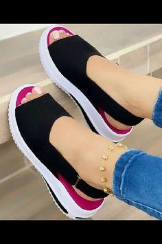 Zara Sandals, Black Sandals, Leather Sandals, Sneakers Mode, Sneakers Fashion, Fashion Shoes, Peep Toe Platform, Comfortable Shoes, Comfy Shoes