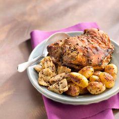 Épaule d'agneau au miel et aux épices, pommes de terre et artichauts sautés au thym