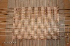 Поделка изделие Плетение Плетеное донышко Бумага газетная Трубочки бумажные фото 1