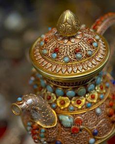 Photography by Ewen Bell- Tibetan Market Tea Pot, Delhi, India Teapots And Cups, My Cup Of Tea, Chocolate Pots, High Tea, Oeuvre D'art, Afternoon Tea, Tea Time, Tea Party, Tea Cups