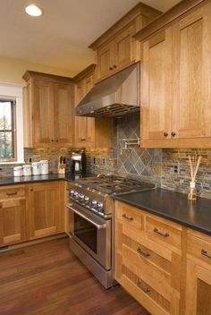 Incredible Wooden Kitchen Cupboards Design Ideas For Comfortable Kitchen and Cook Kitchen Cupboard Designs, Kitchen Redo, Home Decor Kitchen, Rustic Kitchen, Home Kitchens, Kitchen Remodel, Kitchen Ideas, Design Kitchen, Smart Kitchen