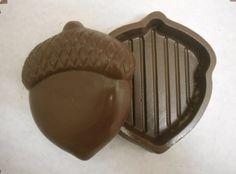 Acorn chocolate box