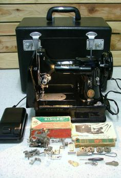 Singer Featherweight 222k Red S Sewing Machine 1960
