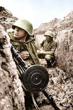 Soviet soldiers - Leningrad front