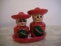 http://de.dawanda.com/product/77944319-3-teil-Pfeffer--oder-Salzstreuer-Mexikaner-Ole