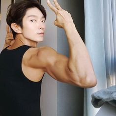 Lee Joon-gi's Firm Arms, Move over Popeye Asian Actors, Korean Actors, Korean Idols, Lee Joon Gi Wallpaper, Lee Jong Ki, 7 First Kisses, J Star, Wang So, New Actors