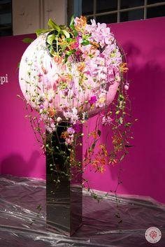 Pirjo Koppi (Finland) Floral Artwork, Floral Arrangements, Glass Vase, Floral Design, Florists, Contemporary, Create, Flowers, Designers