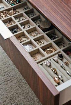 jewelry_organization_64