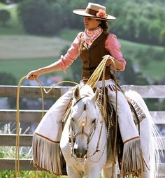 cowgirl in Switzerland This is great!! Classy and punchy!! I'm kinda in love with her armedas!