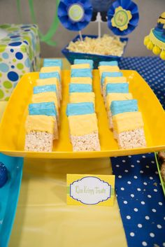 Minion Birthday Ideas Rice Krispy Treats with Printable Food Tents or a Blue & Gold Minions Birthday Theme, Minion Theme, Minion Party, Third Birthday, 4th Birthday Parties, Boy Birthday, Birthday Ideas, Birthday Cakes, Minion Baby Shower