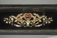 A mid-19th century wooden casket inlaid with mother-of-pearl Сундук, Дизайн Границы, Гроб, Рококо, Наполеон, Латунь, Орнаменты, Бумага